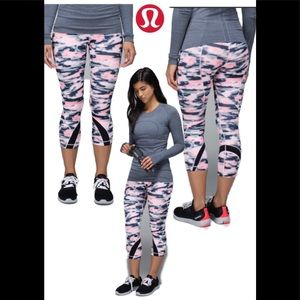 Lululemon Run: Inspire Crop II *All Luxtreme Sz 6